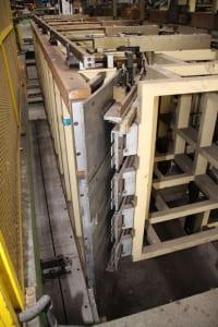 Installation de moussage pour panneaux isolants moulés (unités de réfrigérateurs) CANNON i_02773242