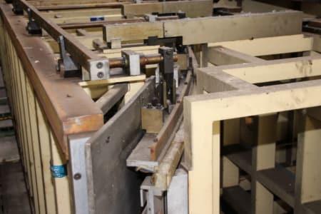 Installation de moussage pour panneaux isolants moulés (unités de réfrigérateurs) CANNON i_02773243
