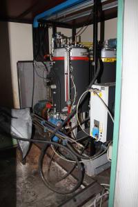 Installation de moussage pour panneaux isolants moulés (unités de réfrigérateurs) CANNON i_02773252