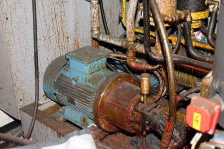 Installation de moussage pour panneaux isolants moulés (unités de réfrigérateurs) CANNON i_02773254