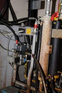 Installation de moussage pour panneaux isolants moulés (unités de réfrigérateurs) CANNON i_02773255
