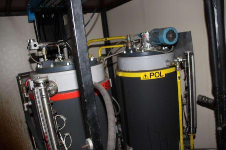 Installation de moussage pour panneaux isolants moulés (unités de réfrigérateurs) CANNON i_02773260