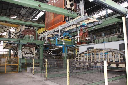 CANNON Schäumanlage für geformte Isolierplatten (Kühlmöbel) i_02773264