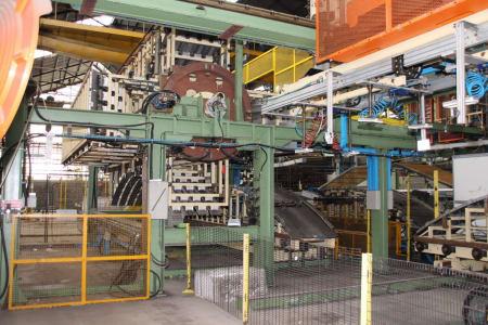 CANNON Schäumanlage für geformte Isolierplatten (Kühlmöbel) i_02773265