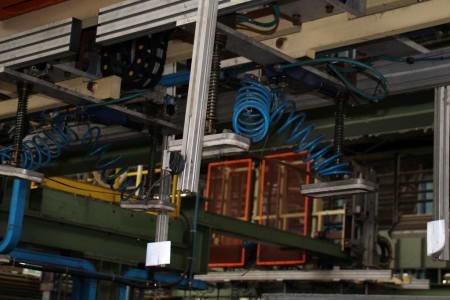 CANNON Schäumanlage für geformte Isolierplatten (Kühlmöbel) i_02773270