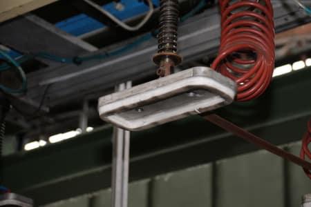 Installation de moussage pour panneaux isolants moulés (unités de réfrigérateurs) CANNON i_02773271