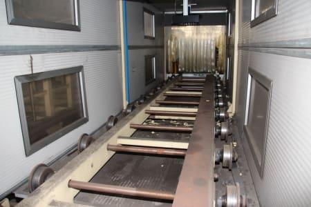 Installation de moussage pour panneaux isolants moulés (unités de réfrigérateurs) CANNON i_02773277