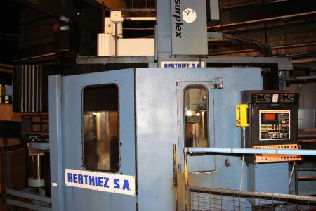 Centro de torneado y fresado vertical CNC BERTHIEZ LVM 160 P i_03208930