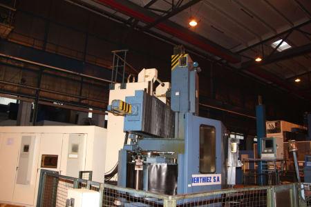 Centro de torneado y fresado vertical CNC BERTHIEZ LVM 160 P i_03208932
