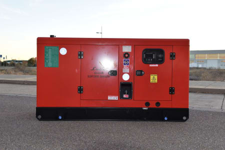 LUCLA GLU-50 Silent diesel generator i_03371346
