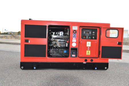LUCLA GLU-50 Silent diesel generator i_03371350
