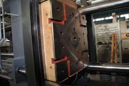 Машина за леене на пластмаси под налягане WAVE ARGO 280 R FIFO i_03403877