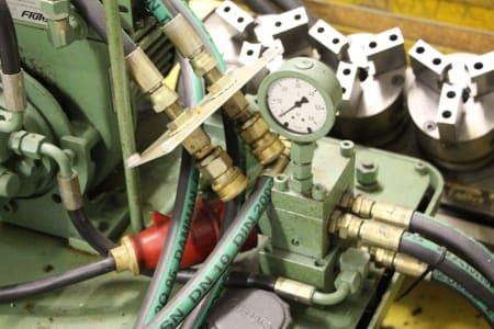 Centro di lavoro verticale MORI SEIKI NV 5000 A/40 i_03498966