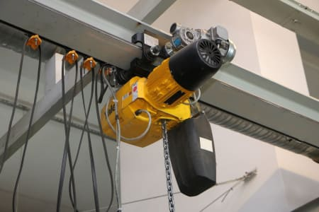 YALE VPE 2-A-CPM/3 Electric Chain Hoist i_03506912