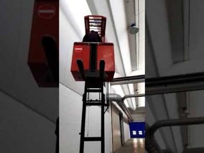 BT Lateral Elektrische heftruck v_02804308