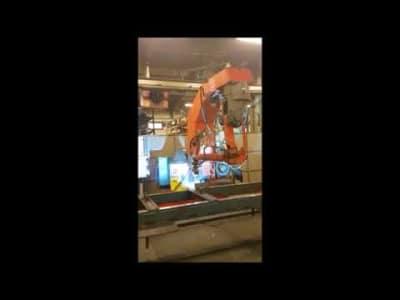 Robot combinado de soldadura y corte por plasma v_03154868