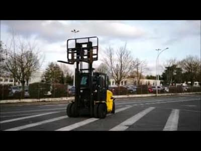 YALE GDP60VX Diesel Four Wheel Counterbalanced Forklift v_03504080