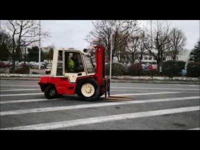 MANITOU MCE30H Diesel Semi-Industrial Forklift v_03504272
