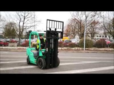 MITSUBISHI FG25N Gas Four Wheel Counterbalanced Forklift v_03504279